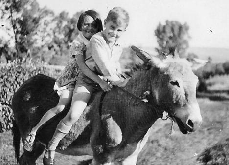 Gillian Bradbury & Stephen Hayes, Ingogo, 1948