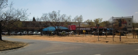 Kilner Park shops, with the Casbah Roadhouse and Jock of the Bushveld Restaurant, and the Neon Cafe on the left
