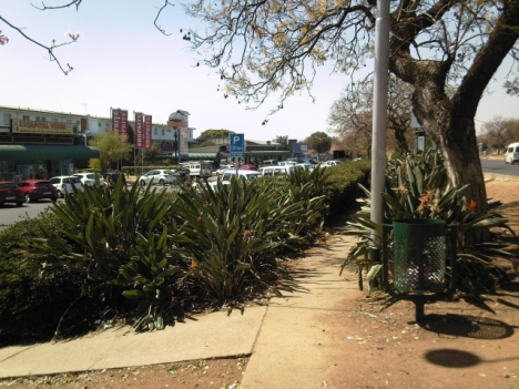 Old shopping centre in Queenswood, to the east. Soutpansberg Road on the right.