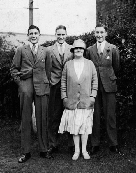 Alice Maud and the three Bristow boys - 16 Sep 1937