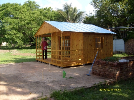The finished Wendy house