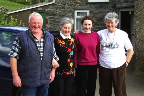 Geraint, Viv and Alison Jones and Val Hayes. Blaen Ce Uchaf, 7 May 2005