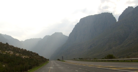 Approaching Du Toit's Kloof Pass