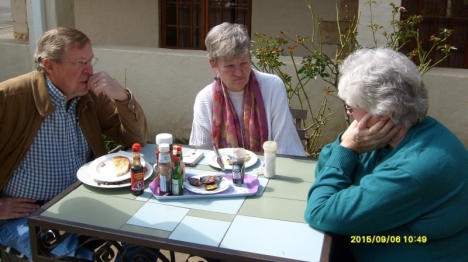Breakfast at the Courtyard Restaurant in Clarens.
