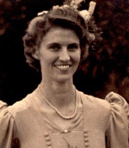 Mary Pearson 1918-2003